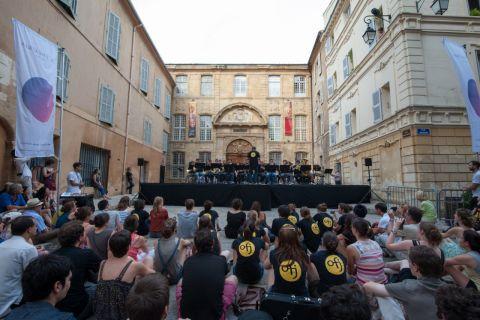 les-theatres-ofj-parade-aix-web--46jpg.jpg