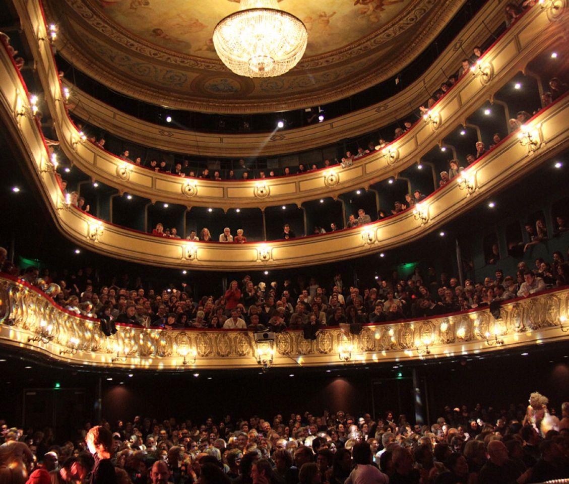salle theatre gymnase